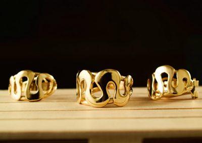 Conjunto compuesto por pendientes y anillo en oro de ley (Encargo personal)