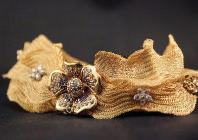 Pulsera tejida en oro de 18kt(Conjunto flor de seda)